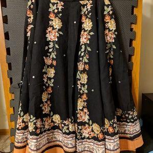Beautiful flowy black skirt
